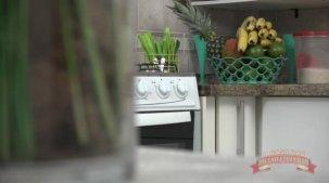 Elisa Sanches videos porno: ela enfiou uma banana na buceta