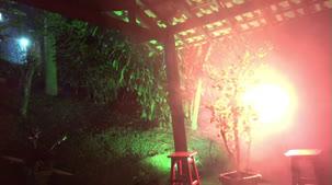 oriental Vip pelada dando um show no pole dance