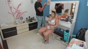 Rebecca Santos loira gostosa nos bastidores pornô