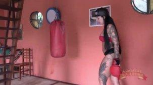 Videos de Elisa Sanches: a gostosa malhou peladinha