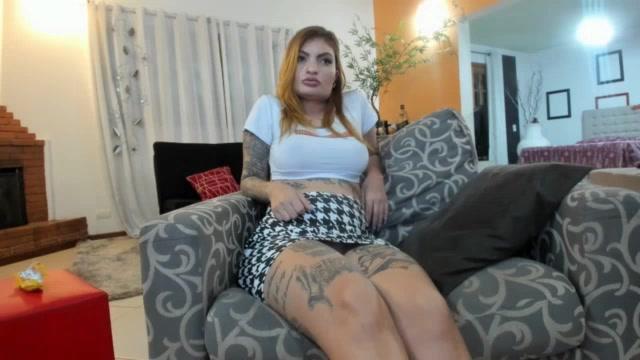 Chat de sexo ao vivo com a atriz pornô tatuda Rachell Miaranda