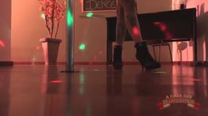 Evelyn Buarque videos da gostosa no pole dance