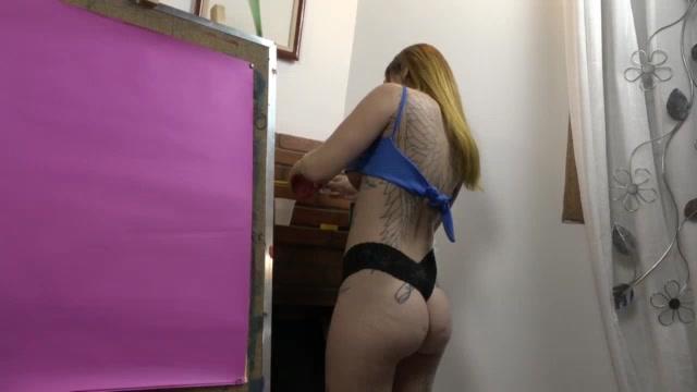 Rachell Miranda pintou até os mamilos na pintura erótica
