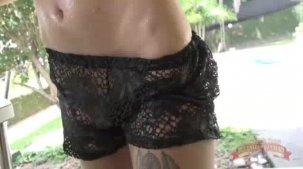 Novinha peituda: Julia Cataucha de camiseta molhada