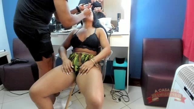 Ana Júlia foi maquiada para próxima gravação da cena