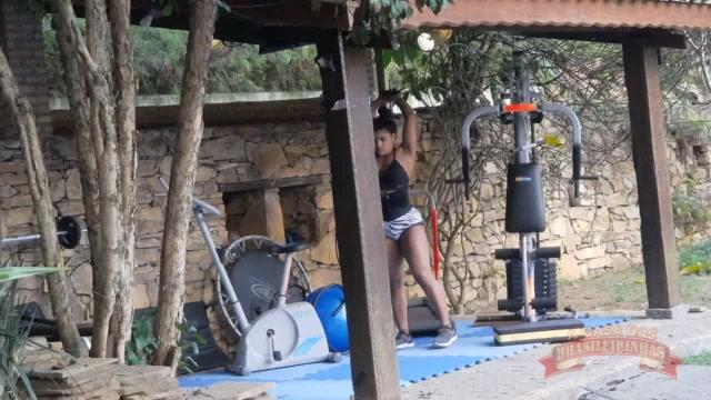 Ana Júlia malhando o seu corpaço