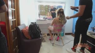Emanuelly Weber se arrumando para a putaria ao vivo