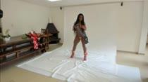 Ana Julia ficou nua e posou para fotos AO VIVO