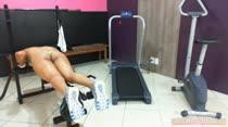 Mulher malhando pelada é só na Casa das Brasileirinhas