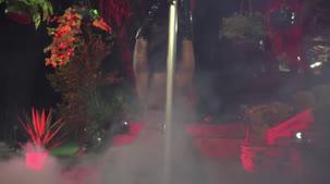 Pole dance com a Amanda Souza sensualizando gostoso