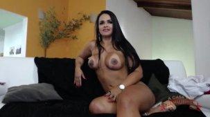 Suellen Victória pelada no chat de sexo ao vivo