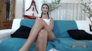 Pornô da Julia Mattos abrindo a buceta no chat