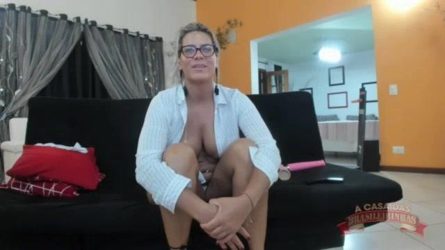 Katharine Madrid conversou com os assinantes pelada no chat