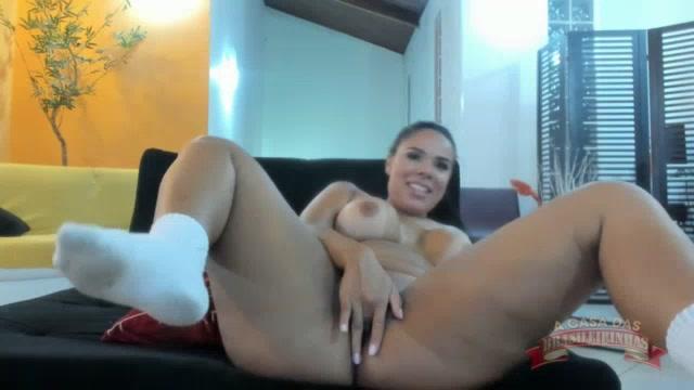 Pamela Santos fez xixi no chat
