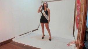 Letícia Ferola nua em seu primeiro ensaio para Brasileirinhas