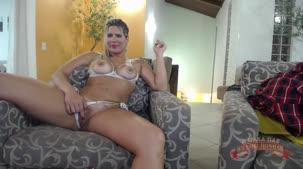 Katharine Madrid pelada no chat de sexo mostrando os peitões