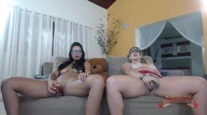 Emanuelly Weber e Lorena Vasconcellos no chat de sexo