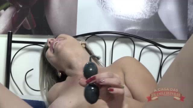 Melody Antunes fez squirt no pompoarismo