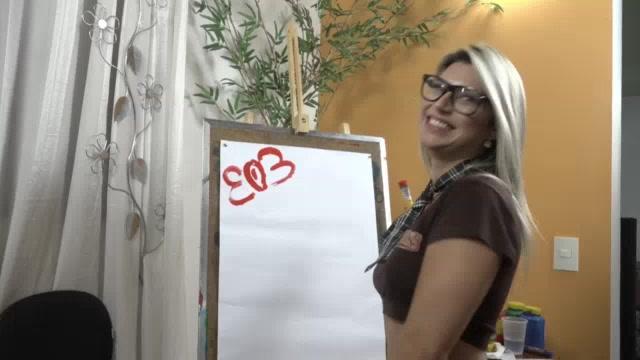 Brasileirinha Melody Antunes pintando putaria