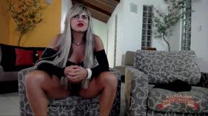 Brasileirinha Nicole Araujo no chat de sexo ao vivo pelada