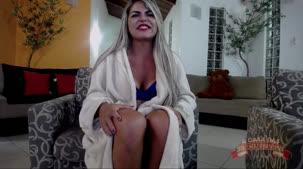 Brasileirinhas Nicole Araujo mostrando os peitos no chat de sexo