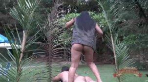 Isis Pitangui morena gostosa na massagem erótica