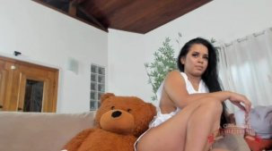 Brasileirinha Isis Pitangui aprontando no chat de sexo