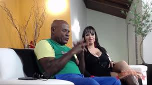 Barbara Alves e Kid Bengala fodendo na apresentção ao vivo