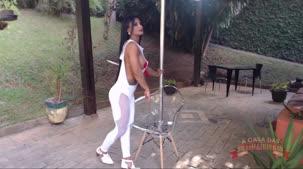 Yara Morgana nua em ensaio sensual no reality