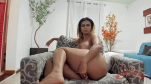 Pornô da Wanessa Boyer no chat com consolo no rabo