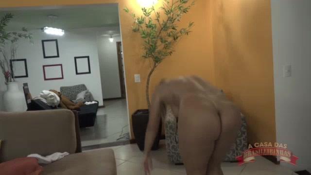 Pornô da Luna Oliveira malhando pelada ao vivo