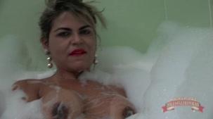 Nicole Araújo atriz pornô da Brasileirinhas na hidromassagem
