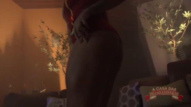 Marsha Love exibindo seu corpão