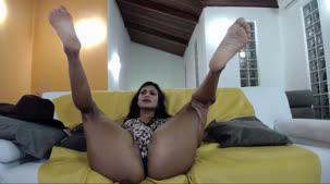 Yara Morganna pelada no chat online de sexo