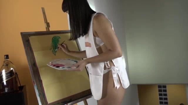 A Lina Nakamura mostrou que manda bem na pintura erótica