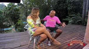 Geyse Arruda entrevista Kid Bengala no reality show pornô