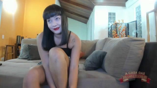 A Japinha safada Lina Nakamura aprontou no chat