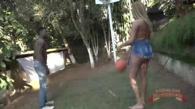 O jogo de basquete dessa gostosa Gih Rocha acabou com ela sendo fodida