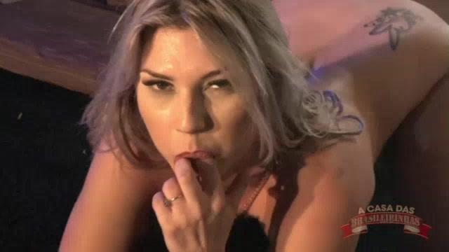 Show erótico com a tesuda Melody Antunes