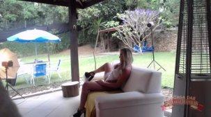 Paty Muniz em seu primeiro ensaio sensual para a Brasileirinhas