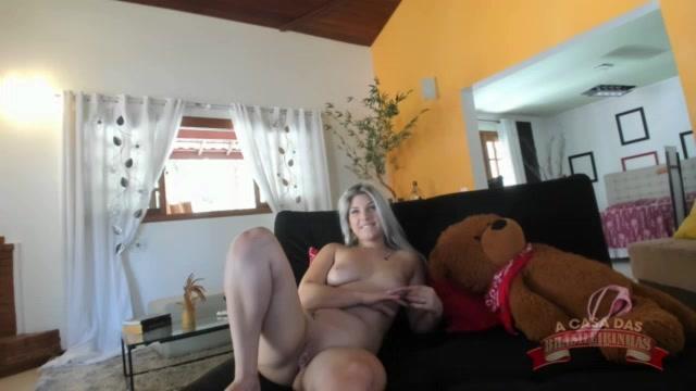 Chat de ao vivo com a loirinha Melody Anunes nua