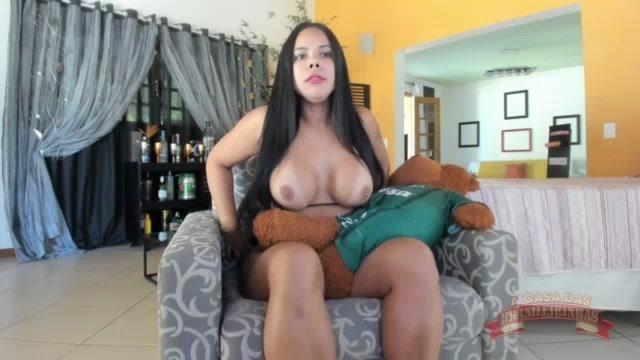 Pamela Santos reveloou que tem namorado no chat