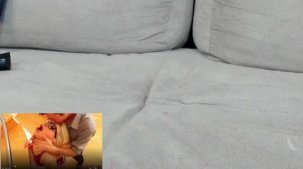 Agatha Figueiredo assistindo filme pornô