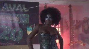 Agatha Figueiredo pelada no show erótico!