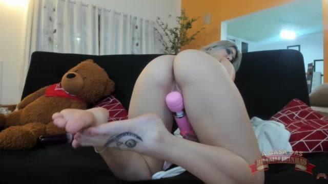 Chat de sexo ao vivo com a deliciosa Melody Antunes gozando