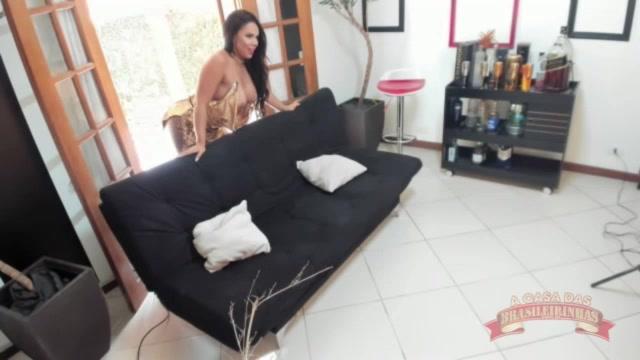Ensaio sensual com a Miss Brasileirinhas Pamela Santos!