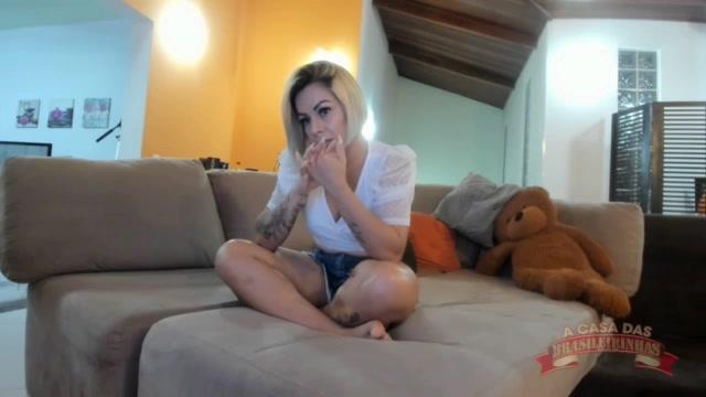 A pornstar Melissa Pitanga deu um show no chat