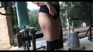 Atriz porno Mimi Boliviana malhando totalmente peladinha