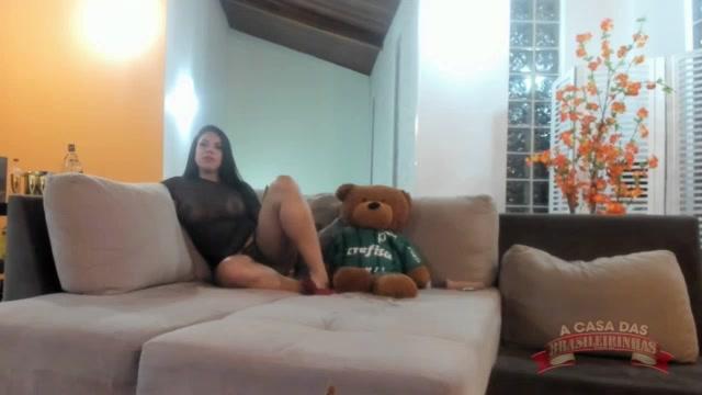 Pamela Santos aprontou todas com o machos no chat
