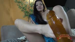 Vídeo pornô da Oriental Vip fazendo footjob na pica